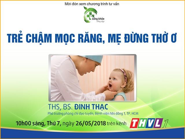 tre-cham-moc-rang-me-dung-tho-o